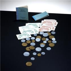 Miniatures - Sets - Kiddicraft Bank - 80pcs inc S113 & S114 (S128) - http://www.hilarypagetoys.com