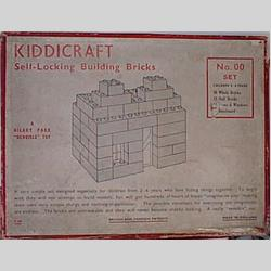 1932-1962 ~ K & F Prefix Ref. No's - K300 Self-Locking Building Bricks (Small) - Set 00 - 30 whole & 18 half bricks, 15 doors & windows, 1 baseplate  - http://www.hilarypagetoys.com